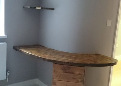 reclaimed-pine-arched-desk