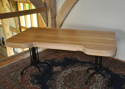 reclaimed_oak_table_with_an_cast_iron_legs