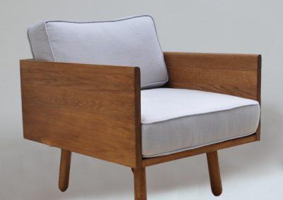 modern-oak-airmchair